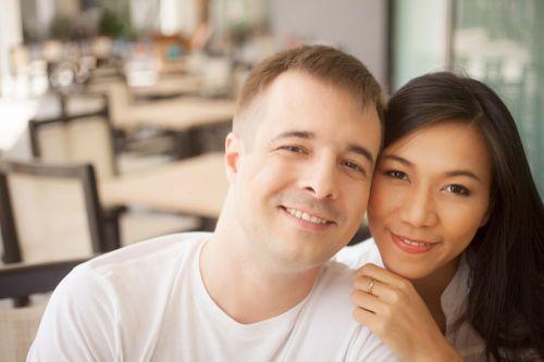 嫁给外国男人有哪些好处和弊端