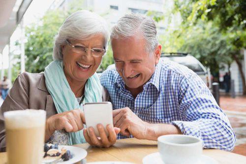 Senioren mithilfe von Dating Apps kennenlernen – wie?
