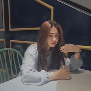 Nguyễn Dịu Nguyễn 20