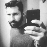 Luis Estrada 32