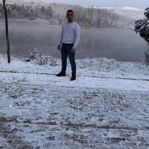 Nardi Hoxhaj 35