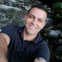 Carlos Herrera 44