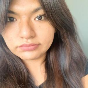 Ariana Cruz 27