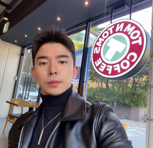 Ethan jung  35