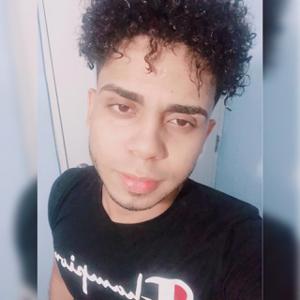 Daniel Peralta  23