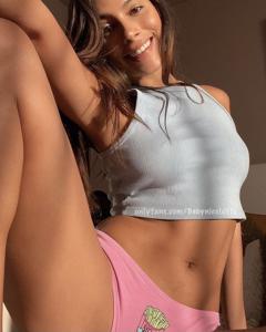 Nicole  24