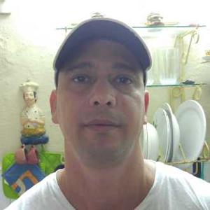 Carlos Saumel 35