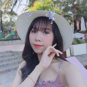 Lily Le 24