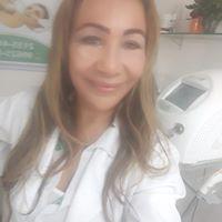 Mariah Costa Pereira 19